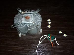 Радиатор, 5 белых светодиодов и драйвер на 300ма